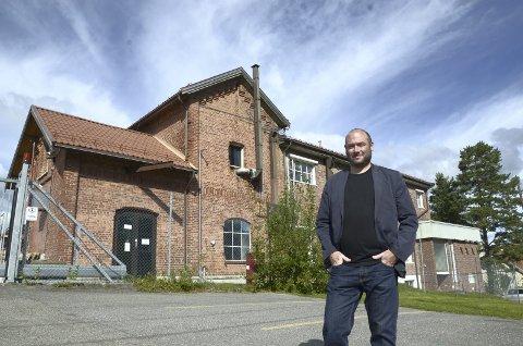 MÅ BYGGE FLERE BOLIGER: Andreas Vaa Bermann, avdelingsdirektør for områdeutvikling i PBE, liker at planforslaget for eterfabrikken både tilrettelegger for nye boliger og bevarer historien.