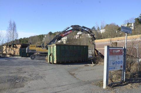 VÅRVEIEN: I løpet av året skal det komme en gjenbruksstasjon her. Foto: Kristin Trosvik