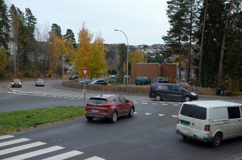 SKAL BYGGES OM: Dette krysset der langbølgen møter Nordstrandveien skal få rundkjøring. Arkivfoto