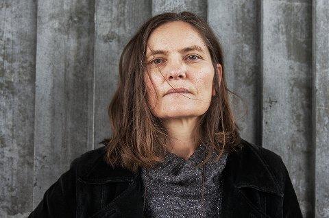 Birgit Alm deltar på bokbad på Lambertseter