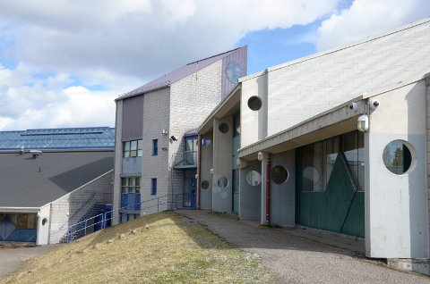 LOFSRUD SKOLE: Pinneraketter ble sist torsdag fyrt opp inne på Lofsrud skole. Arkivfoto