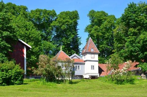 SKØYENPARKEN: Parken rundt Nordre Skøyen hovedgård kalles Skøyenparken og er et yndet utfluktssted for nærmiljøet. Arkivfoto: Nina Schyberg Olsen