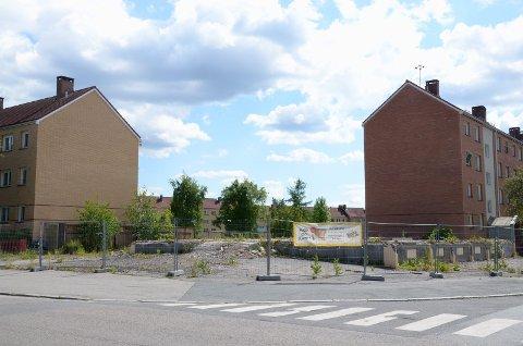 NÅ: Slik har det sett ut på tomten i Våronnveien 17 i årevis. Foto: Nordstrands Blad