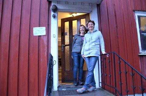 FRIVILLIGE: Ingebjørg Borch fra Lambertseter og Berit Selrod fra Sloreåsen er to av de faste frivillige i Refugees Welcome to Søndre Nordstrand.