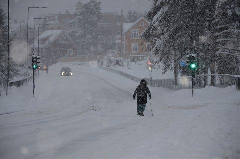 FARLIG GLATT: Oslo kommune har mottatt over 10.000 klager på dårlig brøyting og strøing i år, og Oslo legevakt melder om 48 fallskader i døgnet. Foto: Nina Schyberg Olsen