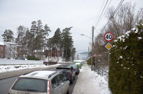 RÅKJØRER: En Porsche med en grisekjører bak rattet er flere ganger observert kjørende nedover Nordstrandveien. Nå vil politiet ha tips om hvem det kan være. Arkivfoto: Nina Schyberg Olsen