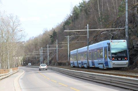 KONGSVEIEN: Debattanten foreslår at trikken kan kjøre på ett spor mellom Oslo hospital og Ekebergparken holdeplass ved Kongshavn vgs.