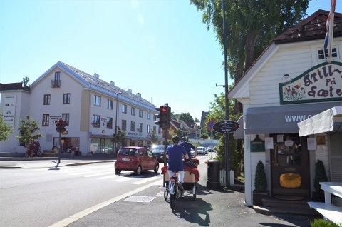 TRANGT: Det kan bli trangt om plassen her i Ekebergveien, derfor vil Bymiljøetaten lage eget sykkelfelt fra krysset og sørover.