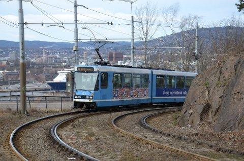 Mange har reagert på den lave hastigheten på trikken mellom Ekebergparken og Gamlebyen. Dette må man belage seg på at kan vare ut året. Arkivfoto: Nina Schyberg Olsen