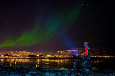 MOT TROMSØYA: Slik var utsikten fra Håkøya mot Tromsøya tirsdag kveld.