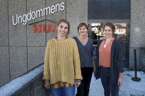 SKAL HJELPE: Ann Kristin Bratlien (f.v.), Bjørg Mallasvik og Marte Tiedemann Skappel i samarbeidsprosjektet «Ung seksualitet». foto: brynjar eidstuen