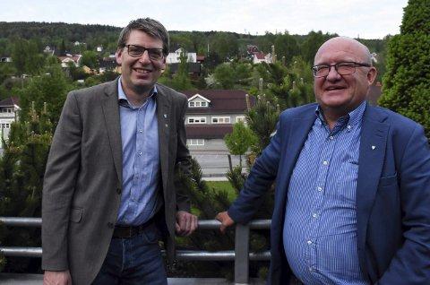 Godbusser fortsatt: Ordfører Ola Tore Dokken i Nordre Land og ordfører Terje Odden i Søndre Land er ikke overrasket over resultatet i avstemningen. Foto: Per Skjønberg