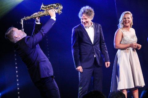SAXUELLT: Sverre Fredrik Bø Nordheim gir alt og gir samtidig Gustav Nilsen og Ida Marie Ringerud latterkrampe.