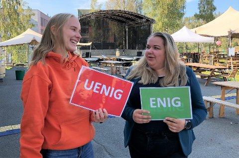 INVITERER TIL VALGDEBATT: Anne Beate Haram (f.v.) er en av initiativtakerne til valgdebattene på NTNU i Gjøvik mandag og tirsdag. Leder for studentparlamentet, Anna S. Jarstad, skal lede debattene.