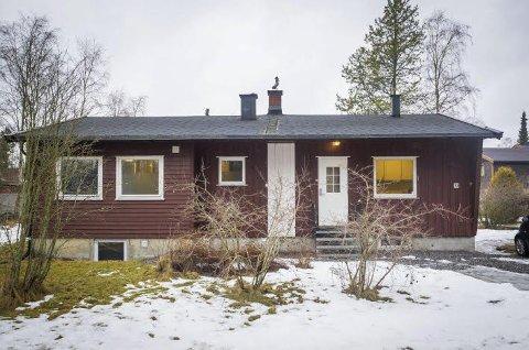 SKULLE BLI HYBELHUS: Heretter må det søkes om bruksendring for hus som gjøres om til hybelhus. Det var ikke gjort for dette huset i Lyngveien på Kaja i Ås.