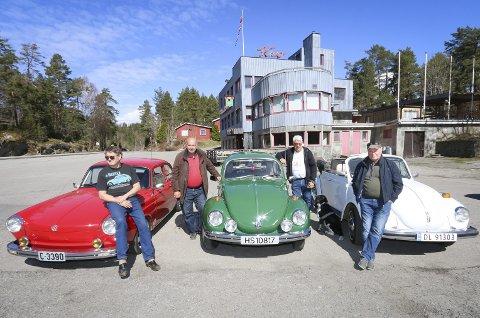 FINPUSSET: Søndag 6. mai er det årets utgave av VW Til Tusen, i år «hjemme» på Tyrigrava. Fra venstre Thore Morten Aune fra Fagerstrand med sin VW 1600 Notchback 1970-modell, Sigmund Karlsen fra Greverud, Lars Horn fra Oppegård med sin 1971-modell VW 1302 og Dag Enevold fra Oslo med sin 1978-modell VW 1303 kabriolet. ALLE FOTO: STIG PERSSON