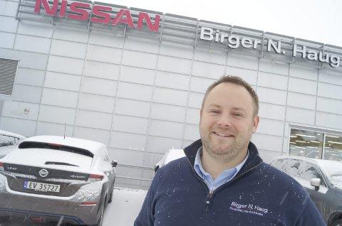 ELBIL-KONGEN: Morten Bakkelund og Birger N. Haugs rekordsalg av Nissan Leaf i 2018 ga det beste året i Follo-avdelingens historie.