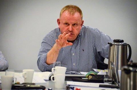REAGERER: FrPs Kjetil Barfelt er ikke fornøyd ed prisen på gangveien i Ås som er under planlegging.