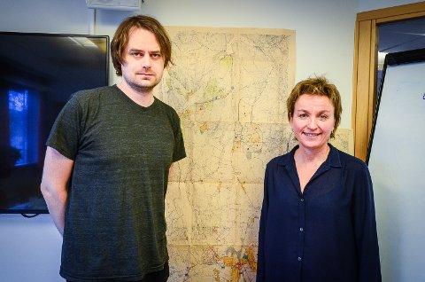 OVER 70 INNSPILL: Plansjef Ellen Grepperud og prosjektleder for sentrumsutviklingen Magnus Ohren har fått over 70 innspill til den nye sentrumsplanen.