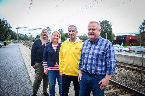 NÅ BLIR DET BEDRE: Det sier Hilde Kristin Marås (H), Maria-Therese Jensen (V), Paul Bolus Johansen (KrF) og Kjetil Barfelt (FrP) om tilbudet på Østfoldbanen.