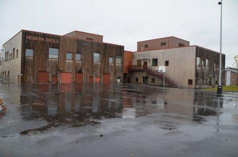 HAR HATT TILFELLER: Hebekk skole i Nordre Follo er en av skolene her i distriktet som har hatt koronasmitte-utbrudd. Likevel viser tall at det er lite koronasmitte i barnehage og skole generelt i landet vårt.