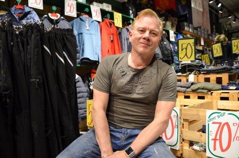TØFT: Thorolf Åsheim er en av flere som meldte oppbud i 2020. Han drev butikken Army Shop på Ski storsenter i mange år.