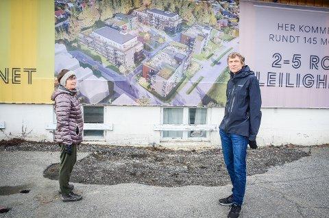 PROTESTERER: Marit Austreng og Vincent Eijsink er naboer til Maxbo-tomta som skal bygges ut.