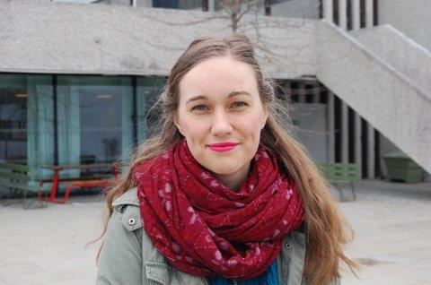 HAR DET BRA: Ina Libak i Ås er sentral i en ny dokumentarfilm om 22. juli-terroren på Utøya. - Filmen handler om fire av oss som overlevde og hvordan vi har det i tiden etterpå. - Jeg har det bra og er glad jeg overlevde, sier hun.