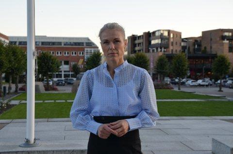 TÅLMODIGHET: Kommuneoverlege Kerstin Anine Johnsen Myhrvold ber folk være tålmodige med gjenåpningen.