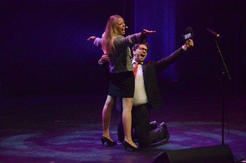Anders Gjønnes og Hedda Aronsen fra Verdensposten under åpningen av Kulturnatt 2015