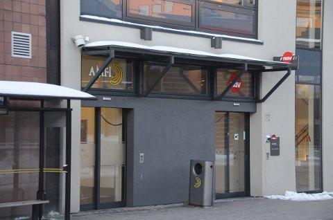 Opphetet situasjon: En person skal ha blitt slått da det oppsto høylytt krangel ved NAV-kontoret i Larvik før helgen. Saken er nå anmeldt av en av de involverte. Foto: Bjørn-Tore Sandbrekkene