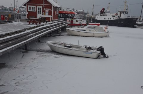 Kaldt i Stavern havn torsdag formiddag