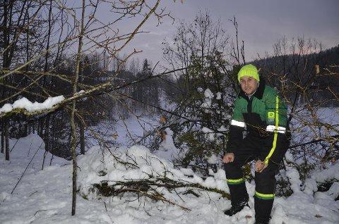Problemer: Dag Moe Tveitan opplever de samme problemene hver gang det er ruskevær. Foto: Olav Nordheim
