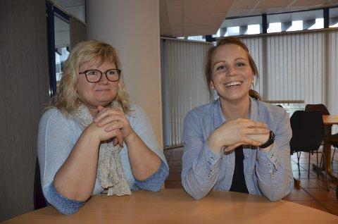 Nominert: Nina Rollag (til venstre) er nominert til Årets medarbeider av Ulrikke Andersen i Larvik kommune. Nå venter komiteen på flere forslag. Foto: Bjørn-Tore Sandbrekkene