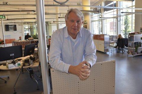 Mange forslag: Sjefredaktør i ØP, Terje Svendsen, ønsker seg enda flere forslag til folkeprisene i regi av Løft Larvik.