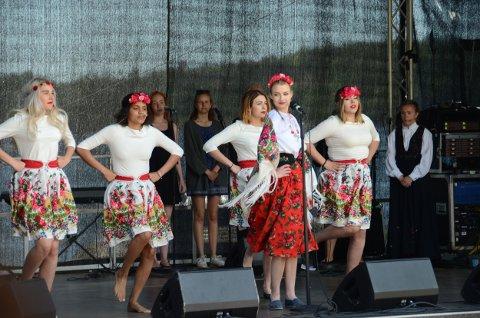 Gruppa Larvik Fargespill imponerte det store publikummet på Tollerodden lørdag.