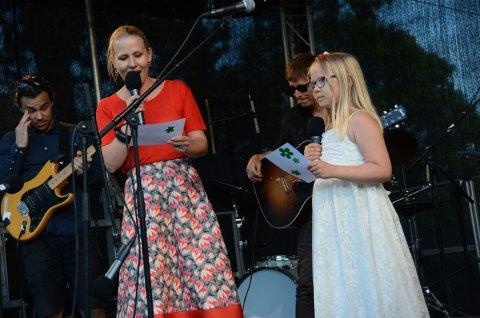 Hege Voll Midtgaard og datteren Vilja (8)