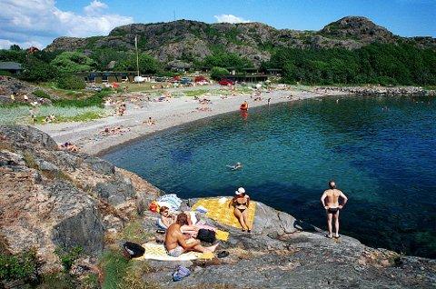 GURVIKA ligger vendt rett ut mot åpne havet akkurat som nabostranda Oddanesand.