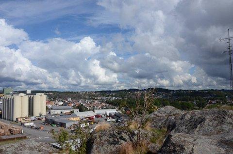 STRÅLENDE UTSIKT: Utsikten fra toppen av fjellet er formidabel i 360 grader.
