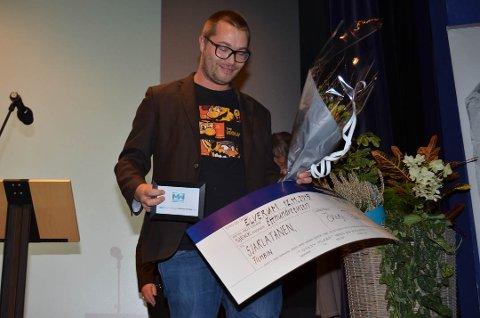 PRISVINNER: Produsent Nicholas Sando fikk en sjekk på 100.000 kroner for beste filmidé. Sammen med regissør Arild Tryggestad ønsker han å realisere filmen Sjarlatanen. (Foto: Bjørn-Frode Løvlund)