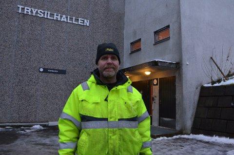 FORTVILET: Ivar Jota som er leder for håndballgruppa er fortvilet over prisøkningen.