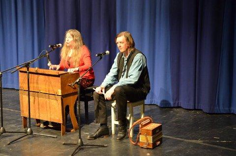 TIL GRAVBERGET: Tone Hulbækmo og Hans Fredrik Jacobsen kan oppleves i Gravberget kirke onsdag kveld.