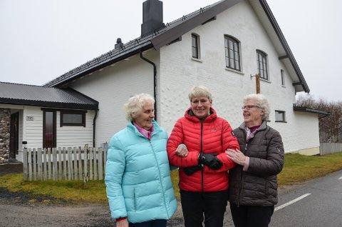 BYGDETREFF: – Hernes bygdetreff er for alle, sier fra venstre:  Ragnhild Østlund, Tove Grafsrønningen Rønsberg og Solvår Martinsen.