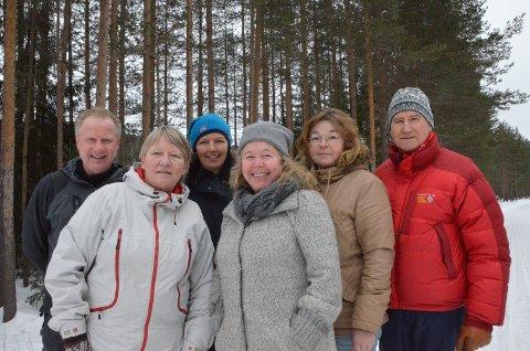 MOT ULVESONA: Fra v: Stein Bogsveen, Randi Sætre, Turid Backe-Viken, Gry Eriksen, Siv Broman Lyseggen og Ole Martin Norderhaug.