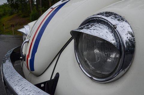 HUNKJØNN: Kristine omtaler Herbie som «henne». Lyktene foran framstår da også som feminine.