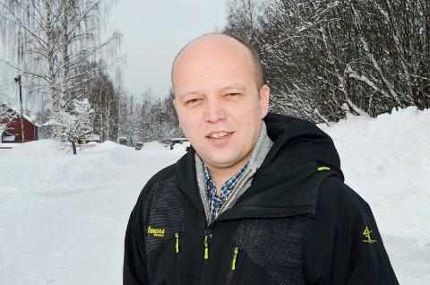 FRYKTER SNIKSENTRALISERING: Stortingsrepresentant og Sp-leder Trygve Slagsvold Vedum (Sp) frykter at Helse Sør-Øst i realiteten styres fra Oslo, og ikke fra Hamar, som forutsatt. (Foto: Bjørn-Frode Løvlund)