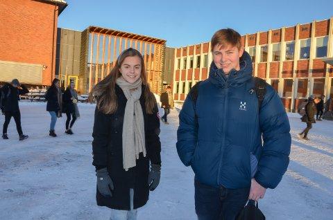 SPESIELL: Elevrådsleder  Iben Behrens Dyreng og nestleder Andreas Bergå Ådlandsvik sier de som er populære på sosiale medier må finne på stadig flere spennende og morsomme ting.