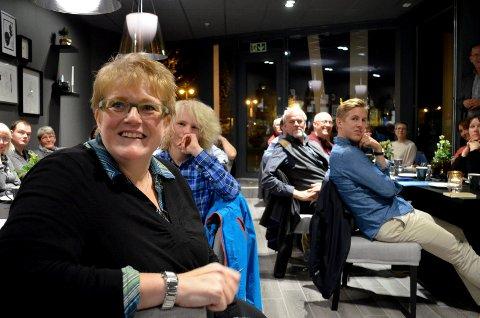 OPPTATT: Kulturminister Trine Skei Grande (V) er opptatt på annet hold og har takket nei til å åpne Festspillene i Elverum. Her fra et tidligere besøk på Siri's i Elverum (Foto: Bjørn-Frode Løvlund)