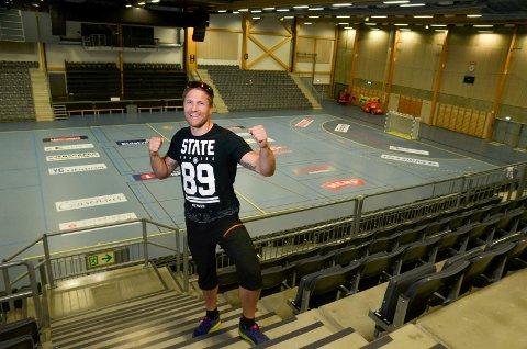 DRØMMEN: Robert Paulsbyen inne i Terningen Arena og klar for ny VM-kamp, tre år etter at han la opp. Paulsbyen håper på full arena med et par tusen tilskuere,