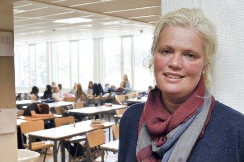 KLART SVAR: – Elever som blir borte fra undervisningen på grunn av klimastreiken, får ugyldig fravær, sier fylkesråd Aasa Gjestvang (Sp).